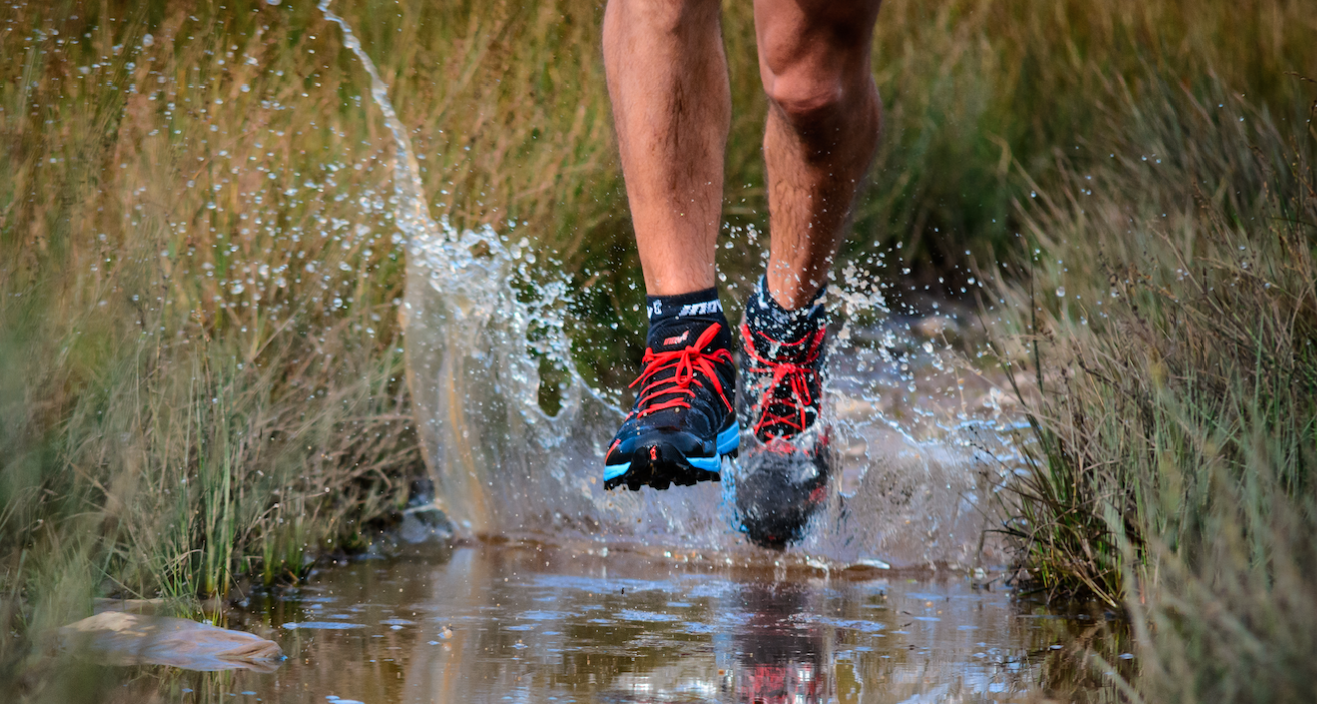 inov-8 x-claw image splash