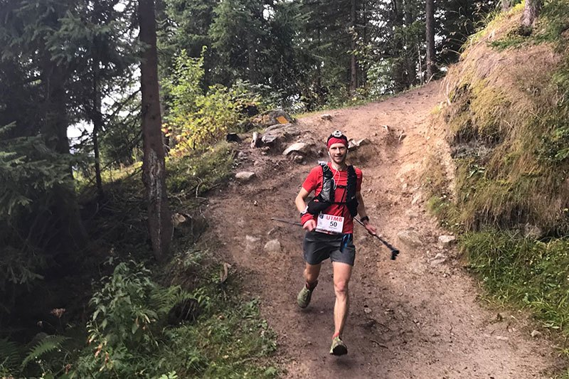 Damian Hall running the UTMB in the RACEULTRA PRO 2-IN-1 VEST