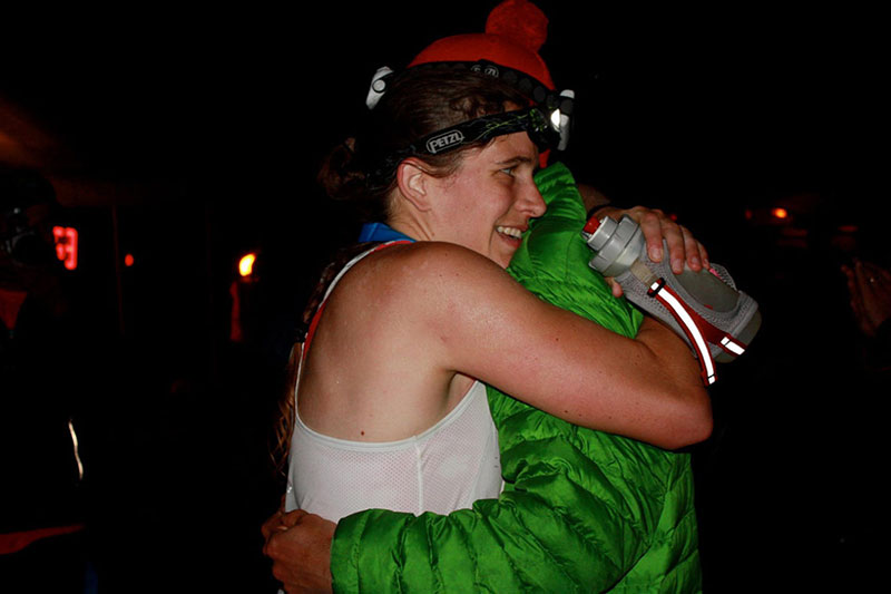 Amy Rusiecki getting crew support and that all-important hug from her husband Brian at the Vermont 100